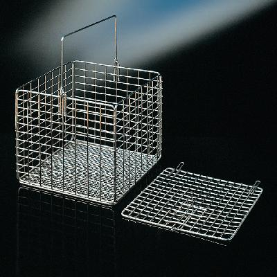 Square baskets with optional lid