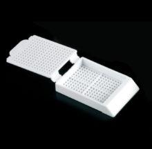 Cassettes for biopsy. Histosette I