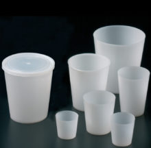 Polyethylene beakers