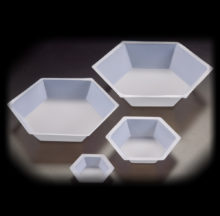 Hexagonal weighing dishes