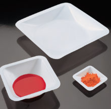 Squared weighing dishes